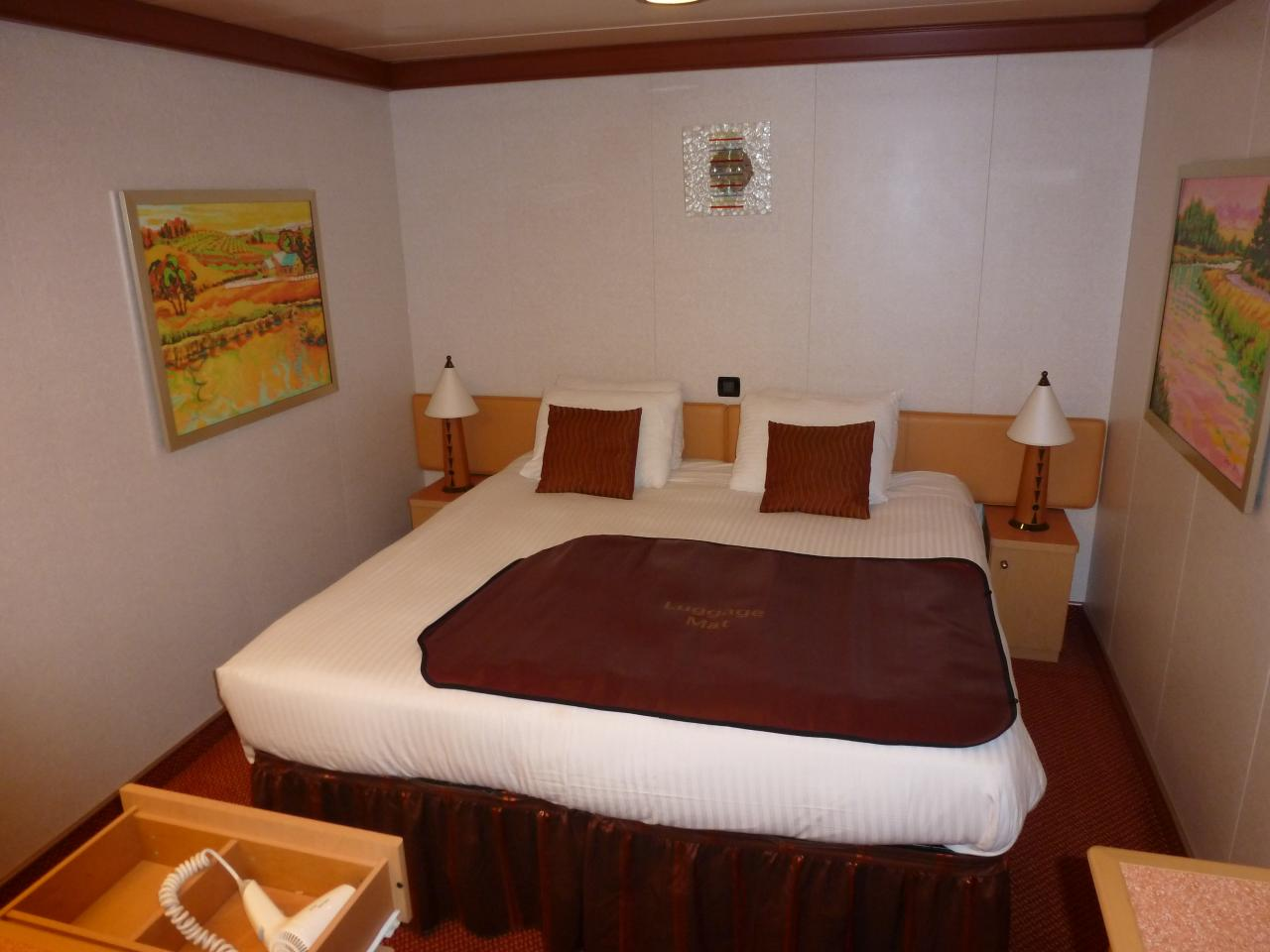 Carnival dream cruise review for cabin 10239 for Dream cabins
