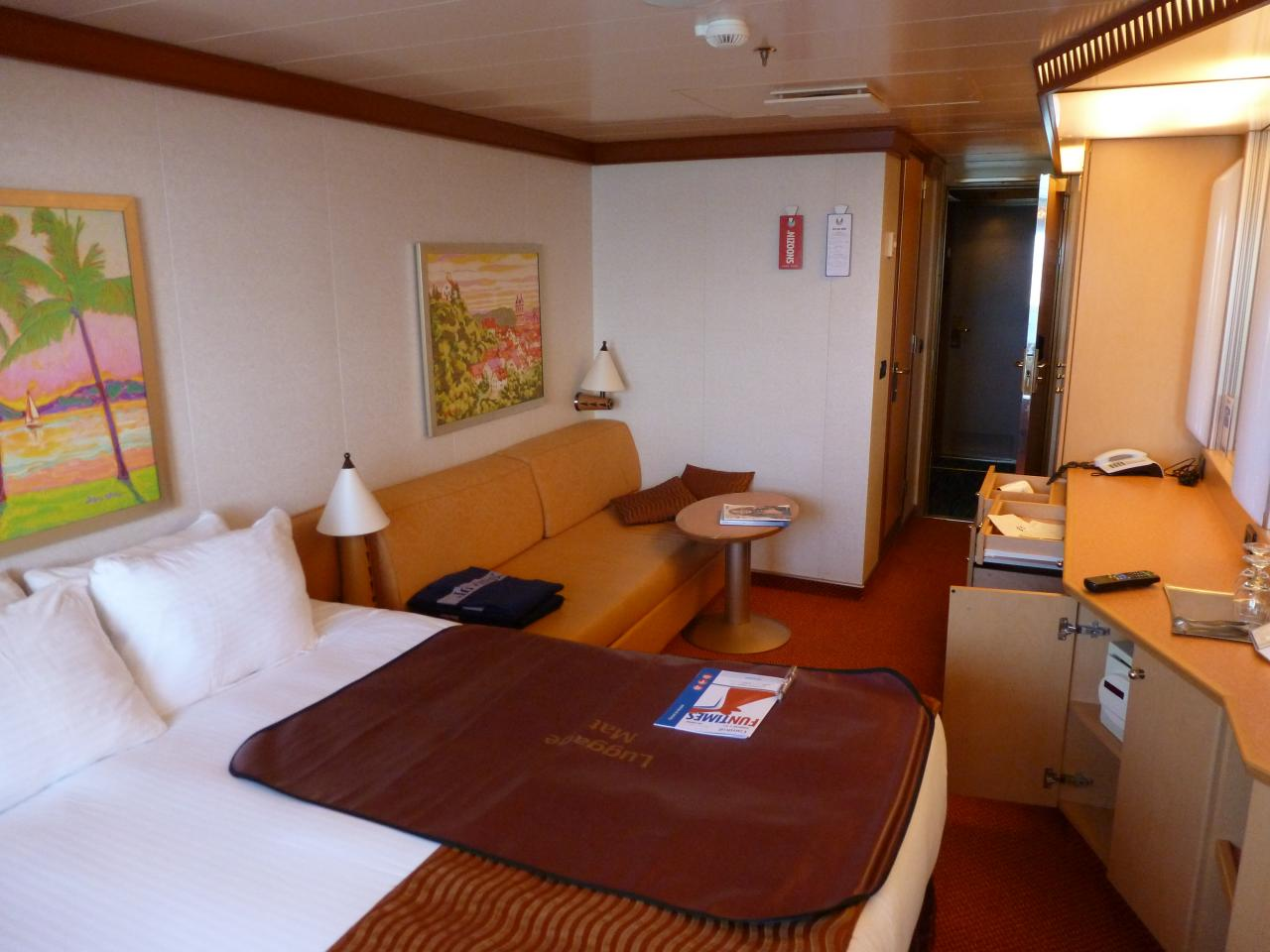 Carnival dream cruise review for cabin 6337 for Dream cabins