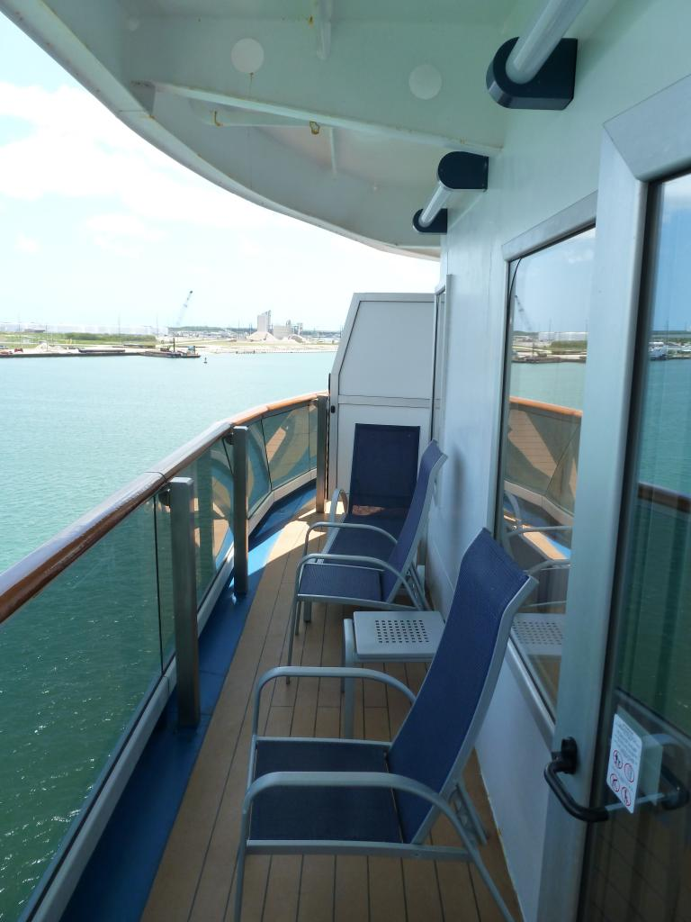 Carnival dream cruise review for cabin 6477 for Cruise balcony