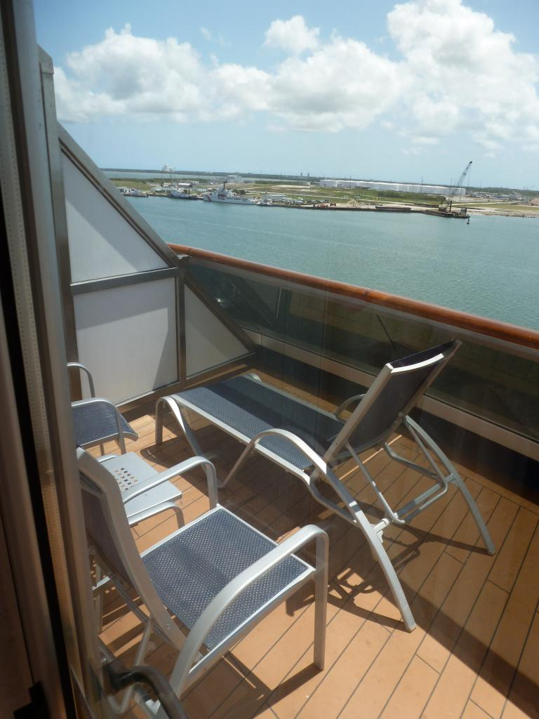 Carnival dream cruise review for cabin 8468 for Cruise balcony