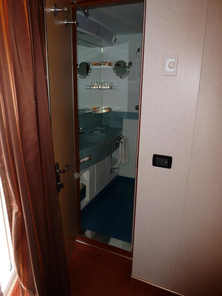 Carnival Dream Cruise Review For Cabin 8473