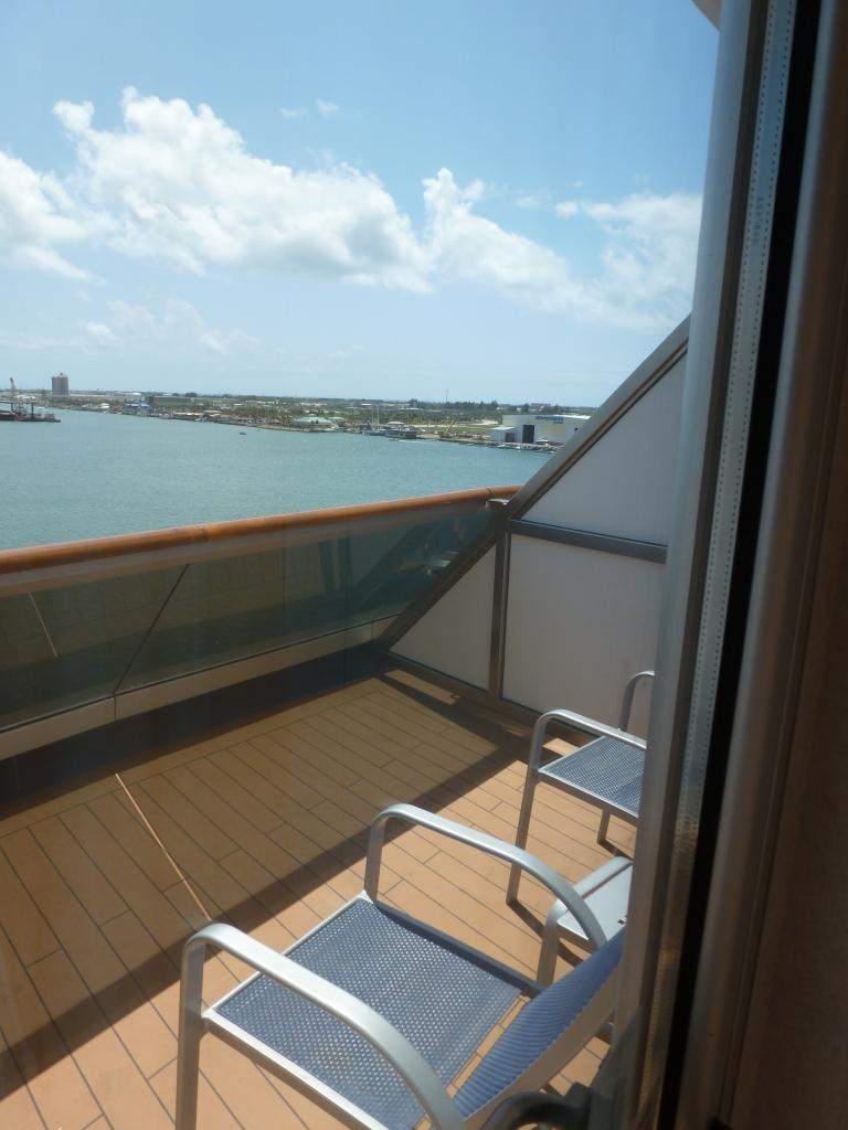 Carnival dream cruise review for cabin 8475 for Cruise balcony