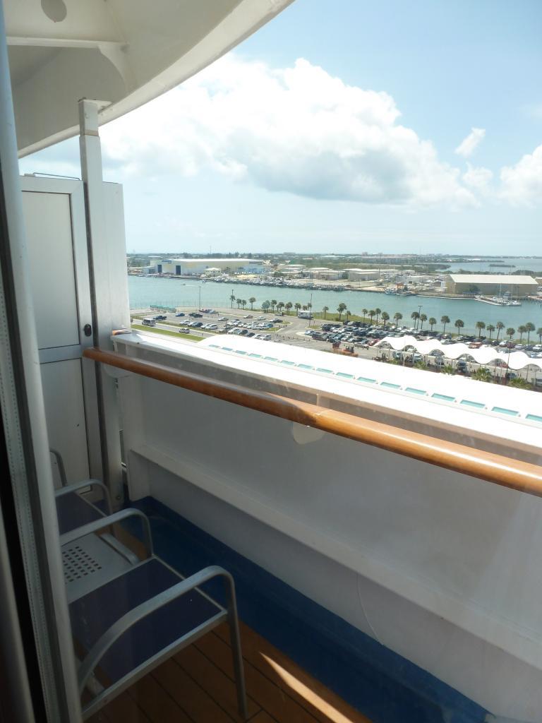 Carnival Dream Cruise Ship - Reviews and Photos ...