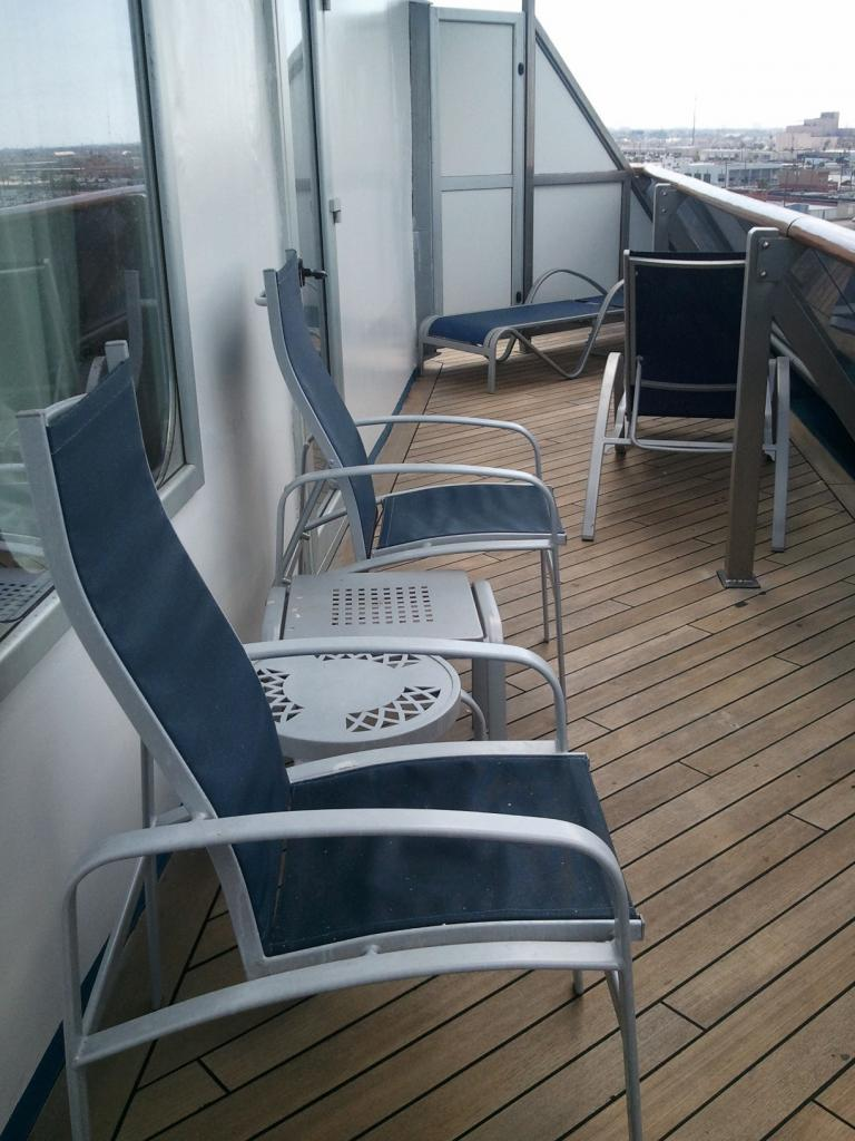 Carnival triumph cruise review for cabin 7422 for Cruise balcony pictures