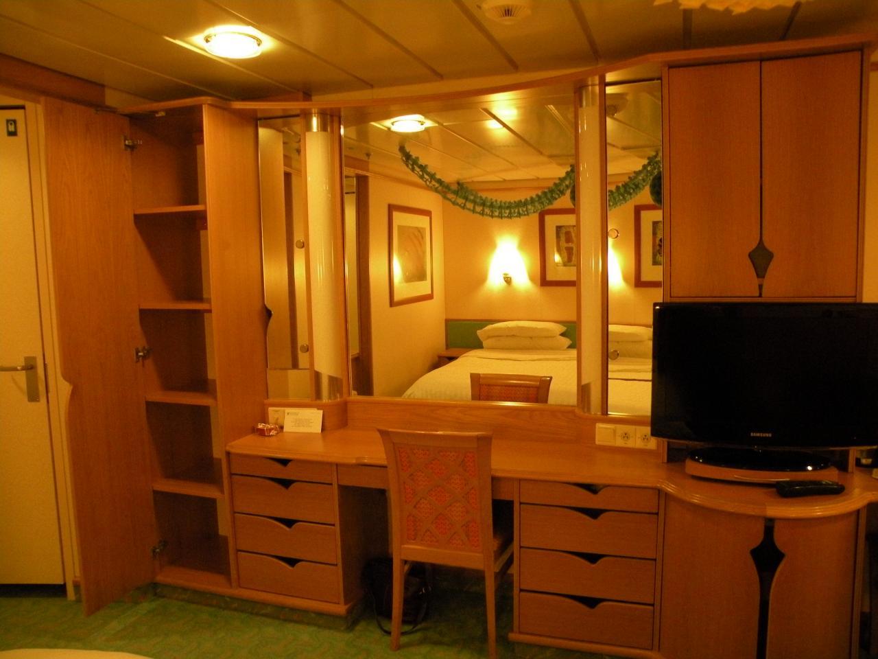 Royal Caribbean Explorer Of The Seas Deck Plan